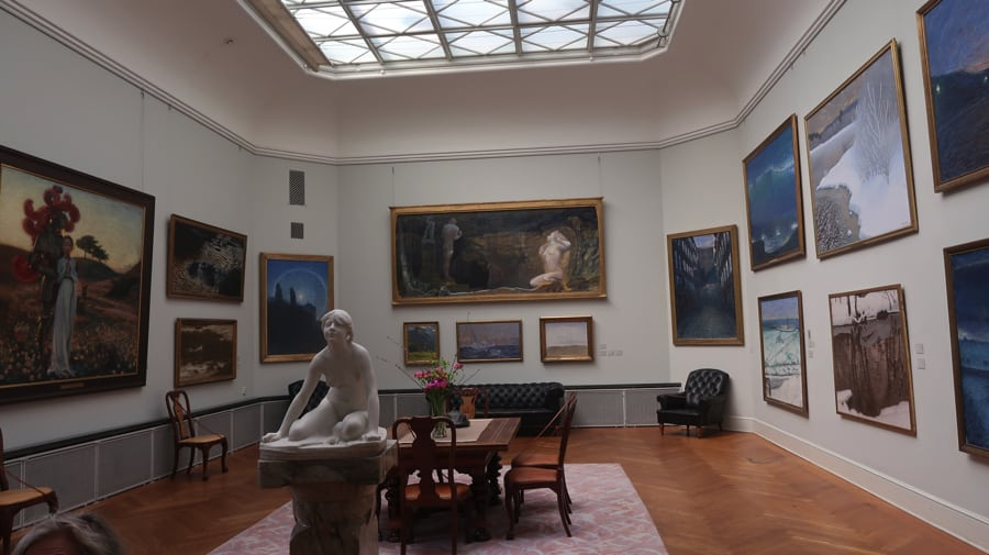 The Thiel Gallery